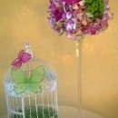 aranjament-floral-cu-roz-si-verde