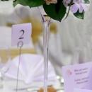 aranjament-floral-cu-trandafiri-somon-si-lisianthus-alb