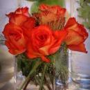aranjament-floral-din-trandafiri-orange