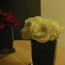 mini-aranjament-cu-trandafiri-albi